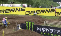 Jeffrey Herlings passes Jeremy Seweer MXGP of France MX2 Race 1 - motocross