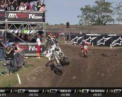 MXGP of Germany_Jeffrey Herlings passes Gautier Paulin